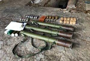 В Донецкой области военные нашли в жилом доме схрон с боеприпасами