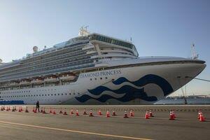 Вирус на круизном лайнере Diamond Princess: за сутки заразились еще 44 человека