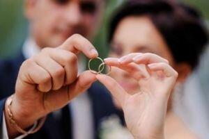 Жителям Нью-Йорка разрешили жениться онлайн из-за карантина