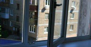 Санитарка киевской больницы разбилась при падении из окна (фото)