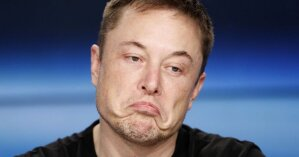 Илон Маск за день обеднел на $13,8 млрд из-за обвала акций Tesla