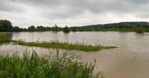 Паводки на западе Украины: в Ивано-Франковской области нашли утопленницу