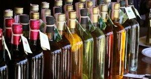 На Закарпатье налоговики обнаружили 16 тысяч бутылок фальсифицированного алкоголя