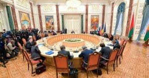 У Кравчука нет полномочий, у Зеленского - политической воли: Почему Украина заблокировала минский процесс
