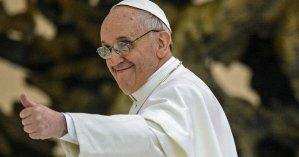 Точно попадет в рай: Папа Римский лайкнул откровенное фото бразильской модели