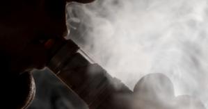 Рада намерена приравнять девайсы для курения к сигаретам, ограничив их употребление