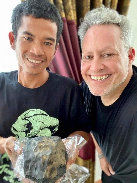 Гробовщик продал метеорит